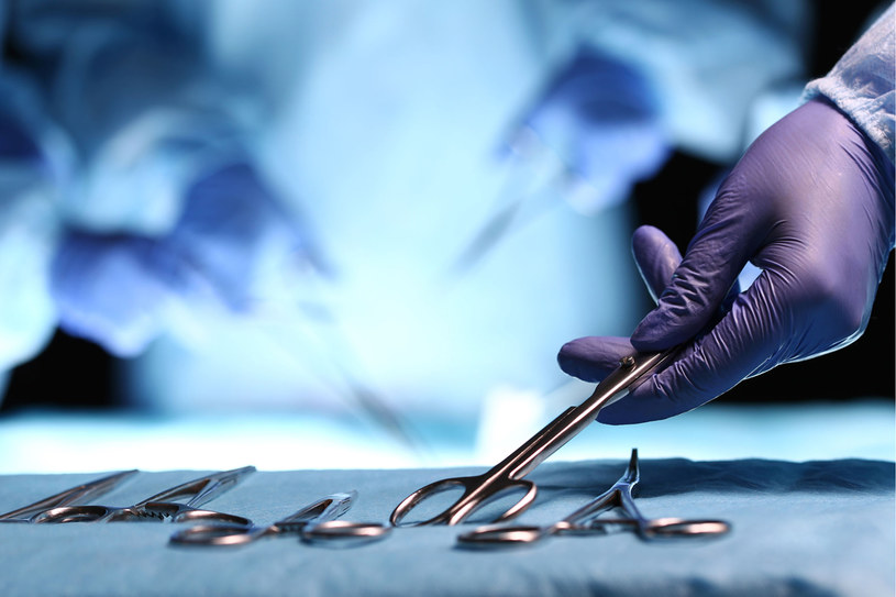 Kobiety co raz częściej odnoszą spektakularne sukcesy w chirurgii /123RF/PICSEL