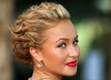 Kobiety uwielbiają świecidełka /Getty Images/Flash Press Media