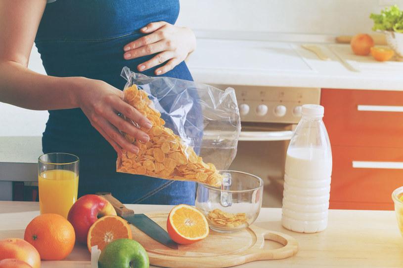 Kobiety w ciąży powinny uważniej dobierać dietę /©123RF/PICSEL