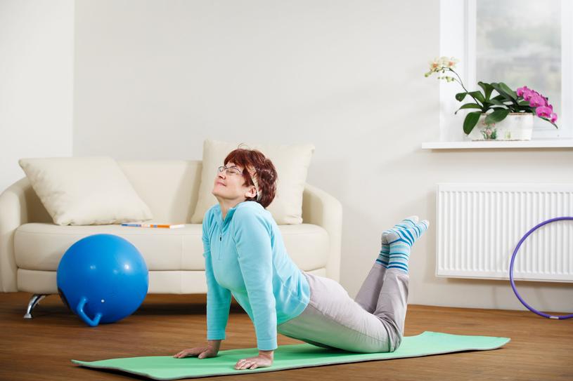 Kobiety w każdym wieku mogą czerpać korzyści z aktywności fizycznej /123RF/PICSEL