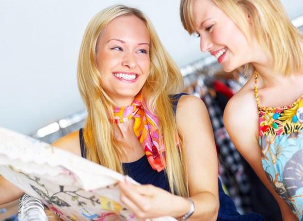 Kobiety w płodne dni chcą być seksowniejsze niż ich sąsiadki /© Panthermedia