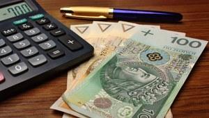 Kobiety w Polsce zarabiają średnio o 700 zł mniej niż mężczyźni