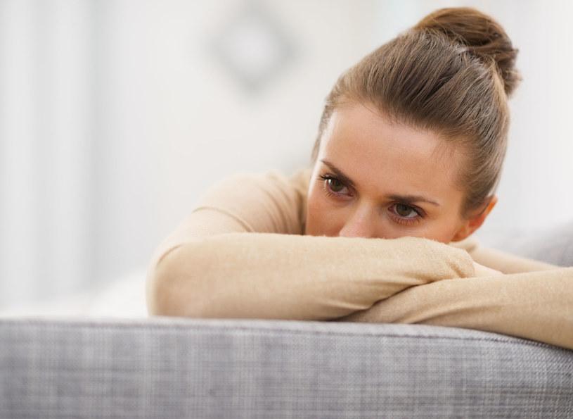 Kobiety wciąż dają się zdominować swojemu wewnętrznemu krytykowi /©123RF/PICSEL