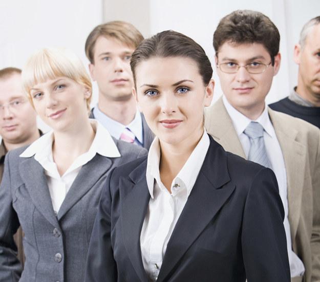 Kogo tak naprawdę brakuje na rynku pracy? /© Glowimages