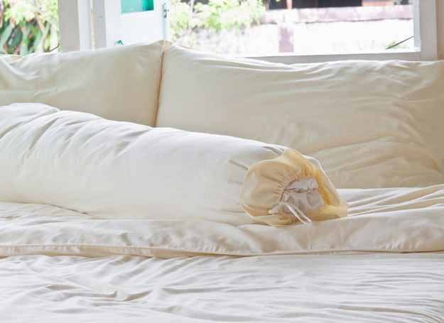 Kojący efekt działania tkanin najszybciej możesz odczuć w sypialni /123RF/PICSEL