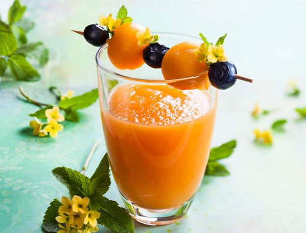 Koktajl z melona, mango i brzoskwini /123/RF PICSEL