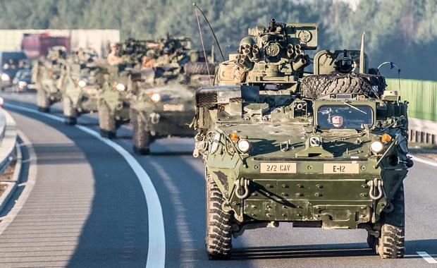 Kolejna kolizja pojazdu amerykańskiej armii. Cysterna zderzyła się z osobówką