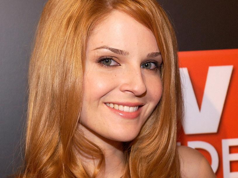 Kolejna piękna kobieta w serialu /Amanda Edwards /Getty Images/Flash Press Media