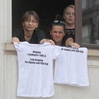 Kolejne ograniczenia dla protestujących w Sejmie. Hartwich: Odcięto nas od prysznica i windy
