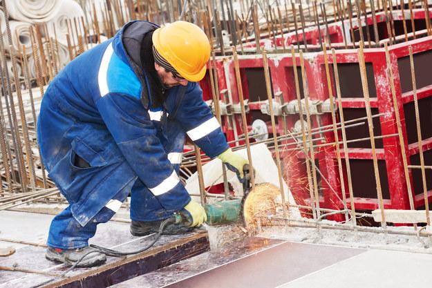 Kolejny cios w polskie firmy budowlane i transportowe dotyczy wielkiej grupy pracowników /123RF/PICSEL