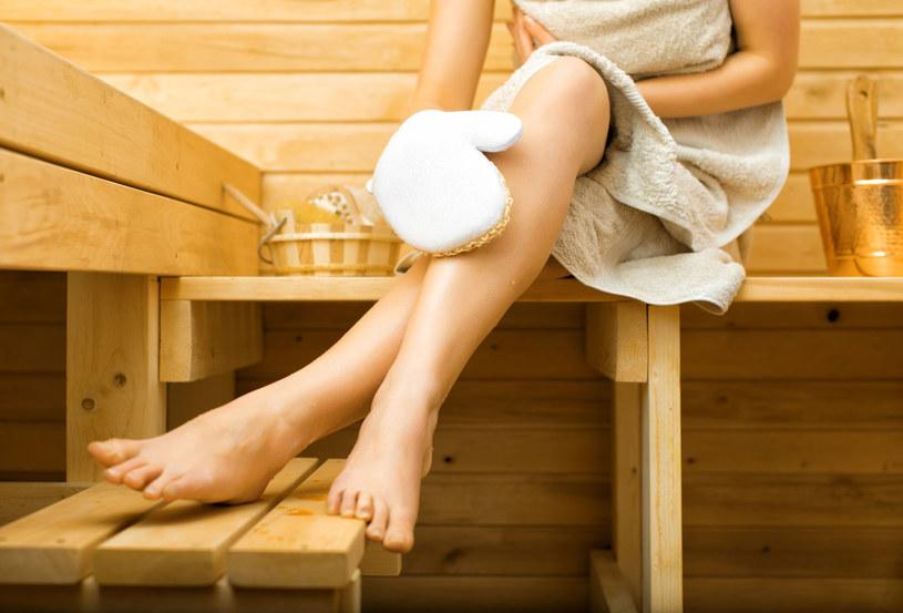 Kolejnym sposobem na detoks, który w tym roku powróci do łask jest sauna /©123RF/PICSEL