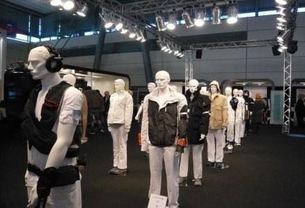 Kolekcja odzieży wyposażonej m.in. w zintegrowane odtwarzacze MP3, zestawy głośnomówiące /HeiseOnline
