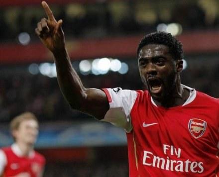 Kolo Toure jeszcze w barwach Arsenalu. Teraz chce wygrać LM z Man City /AFP