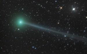Kometa C/2015 ER61 PANSTARRS nagle rozbłysła na nocnym niebie