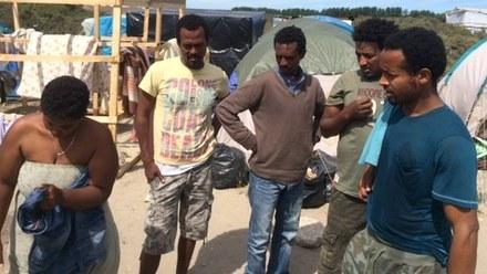 Komisarz UE: Kraje Unii powinny do września przejąć 26 tys. uchodźców. Bez wymówek