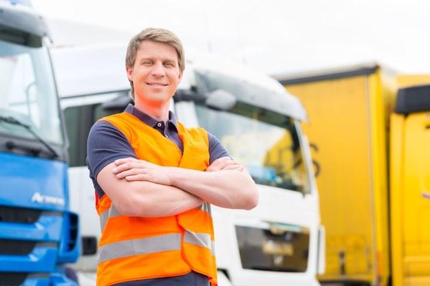 Komisja Europejska podważa austriackie przepisy dotyczące płacy minimalnej w transporcie /123RF/PICSEL