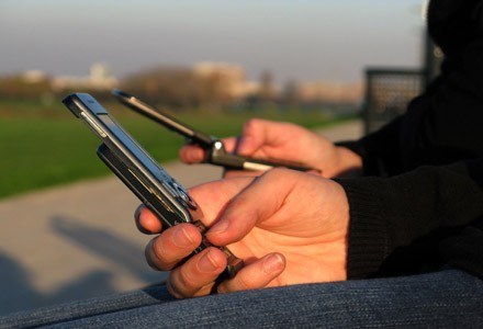 Komórki stają coraz popularniejsze, moda na telewizję słabnie fot. Sanja Gjenero /stock.xchng