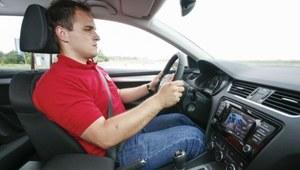 Koncentracja podstawą bezpieczeństwa. Co najbardziej rozprasza kierowców?
