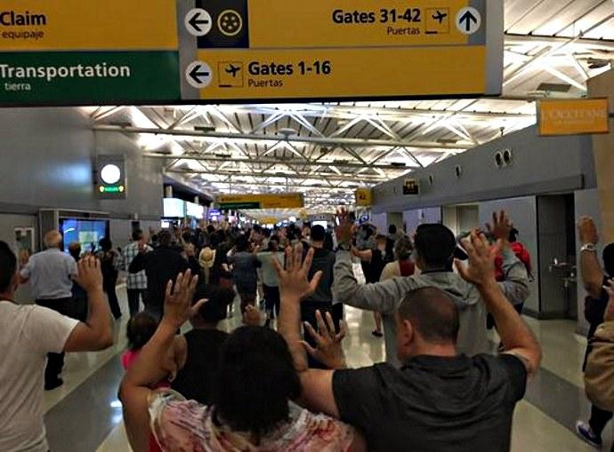 Konieczna była ewakuacja lotniska, fot. Twitter /