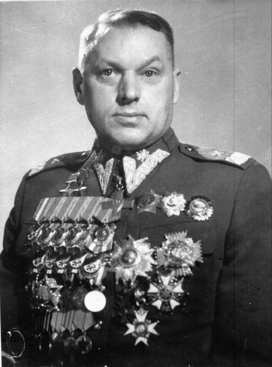 Konstanty Rokossowski (1896–1968), od 1944 r. marszałek ZSRR, od 1949 r. marszałek Polski. /CAF /PAP