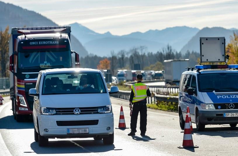 Kontrola na niemiecko-austriackiej granicy /AFP