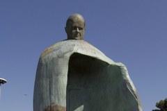 Kontrowersje wokół pomnika Jana Pawła II w Rzymie