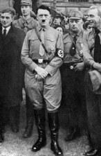 Kontrowersyjna aukcja pamiątek po Hitlerze
