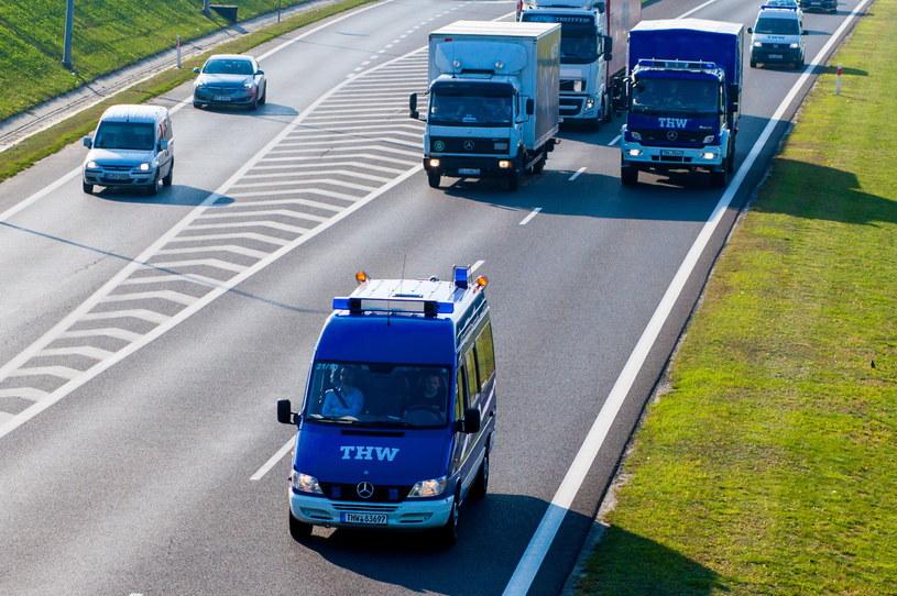 Konwój ciężarówek niemieckich służb THW z pomocą dla Ukrainy /Paweł Jaskólski /PAP
