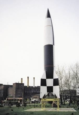 Kopia rakiety V-2 w muzeum a Peenemunde /Odkrywca