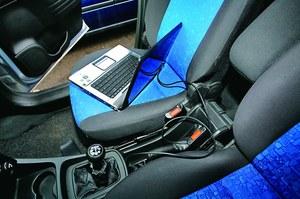 Korekta samochodowego licznika kosztuje 30-100 zł. /Motor