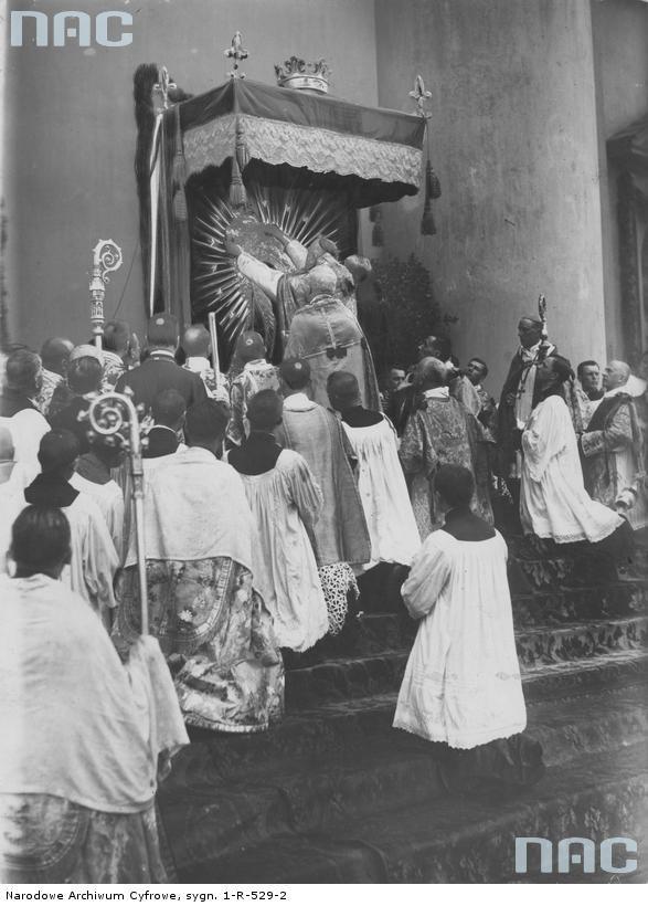 Koronacja obrazu Matki Bożej Ostrobramskiej w Wilnie, 02.07.1927 /Z archiwum Narodowego Archiwum Cyfrowego