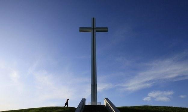 Kościół stara się nawiązać dialog z niewierzącymi /AFP