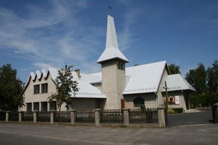 Kościół w miejscowości Raszówka /INTERIA.PL