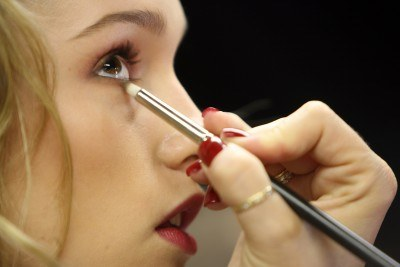 Kosmetyki nie tylko upiększają, ale i poprawiają nastrój /AFP