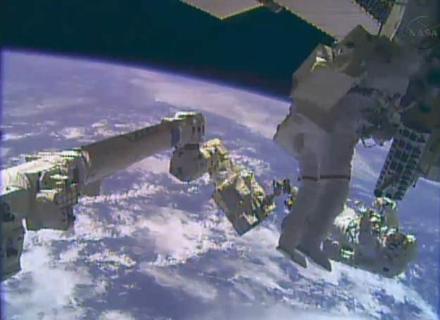 Kosmos nie jest zbyt przyjazny dla ludzkiego zdrowia, fot. AFP/NASA TV /AFP