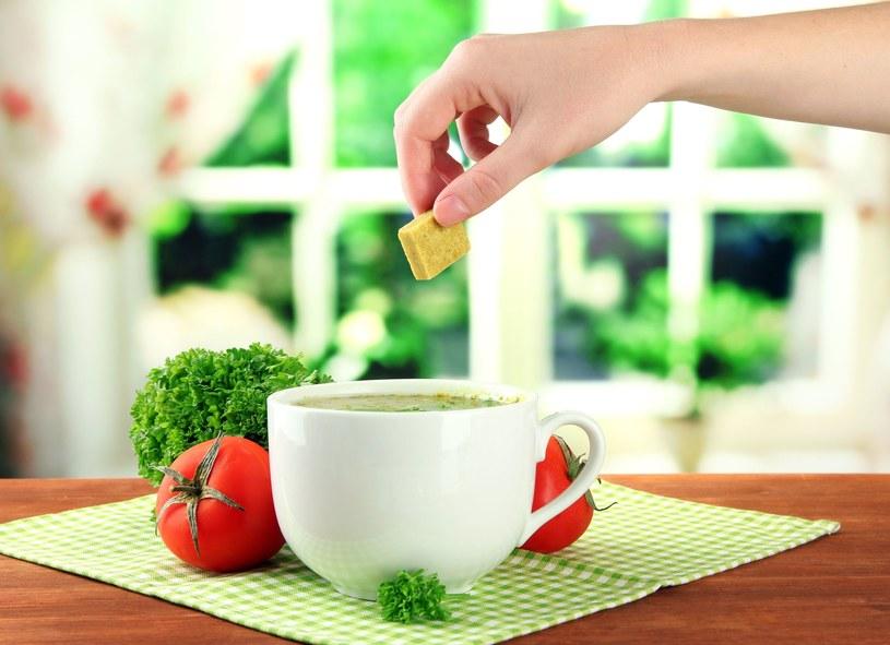 Kostki rosołowe do najzdrowszych nie należą /©123RF/PICSEL