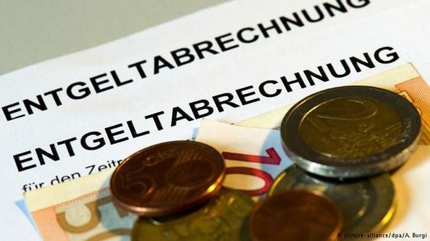 Koszty pracy w Niemczech podskoczyły w 2015 roku prawie dwukrotnie więcej niż w strefie euro /Deutsche Welle