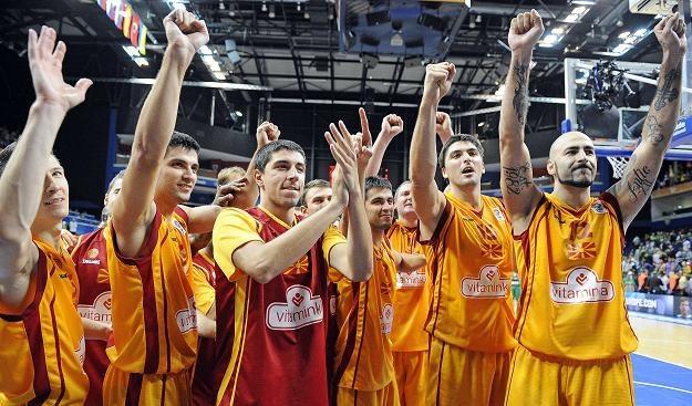 Koszykarze Macedonii fetują zwycięstwo nad Słowenią. /AFP