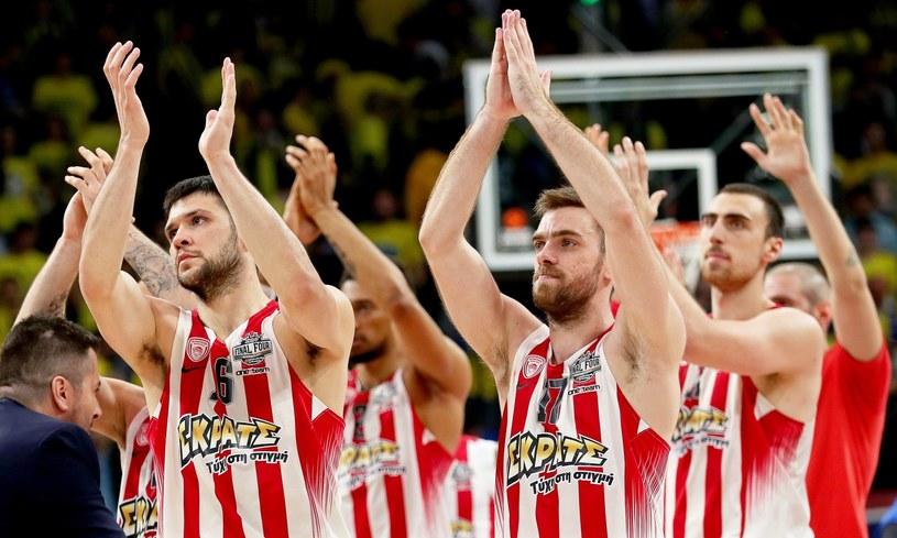 Koszykarze Olympiakosu cieszą się z awansu do finału /SEDAT SUNA /PAP/EPA