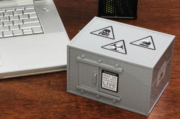 Kot Schrödingera pomoże podjąć ważne życiowe decyzje (Fot. ThinkGeek) /materiały prasowe