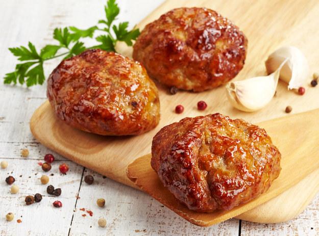 Kotlety pieczone z mięsa mielonego /123/RF PICSEL