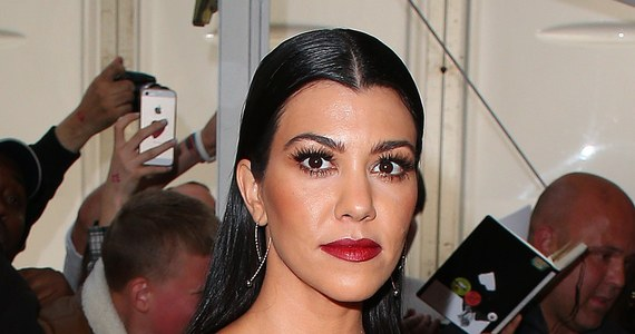 Kourtney kardashian z rozci ciem do p pka zdj cia for What does kourtney kardashian do