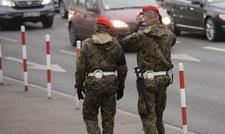 Kradli wojskowe wyposażenie. 12 osób zatrzymanych przez ŻW