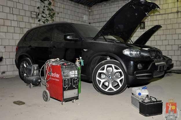 Kradzione BMW X5 /Policja