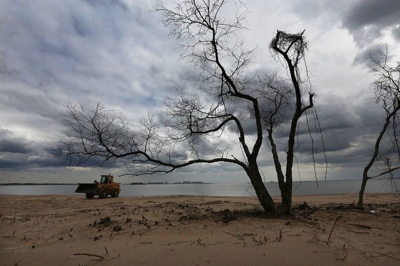 Krajobraz po huraganie Sandy /AFP