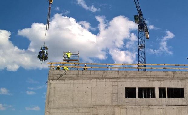 Kraków: Na budowie nowego Szpitala Uniwersyteckiego zawisła wiecha