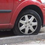 Kraków: Policja szuka wandala, który uszkodził kilkanaście aut