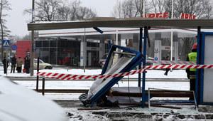 Kraków: Tragiczny wypadek. Samochód uderzył w przystanek