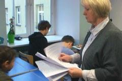 Kraków: Uczniowie piszą test z wiedzy humanistycznej