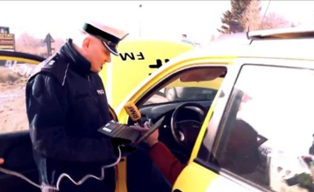 Krakowscy policjanci rozpoczęli akcję badania spalin